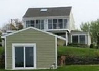 Foreclosed Home en OLD WEST LAKE DR, Montauk, NY - 11954