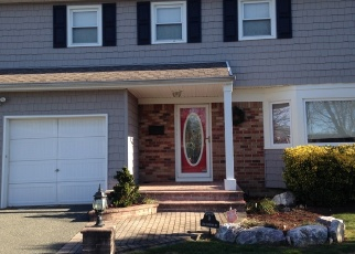 Foreclosed Home en LAWRENCE AVE, Oceanside, NY - 11572