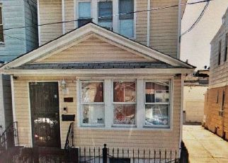 Foreclosed Home en 76TH ST, Woodhaven, NY - 11421