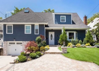 Foreclosed Home in NORMAN WAY, Woodmere, NY - 11598