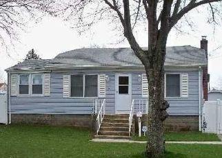 Casa en ejecución hipotecaria in Lindenhurst, NY, 11757,  WACO ST ID: P770032