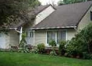 Foreclosed Home en HALE LN, Coram, NY - 11727