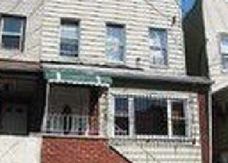 Foreclosed Home en MARTENSE AVE, Corona, NY - 11368