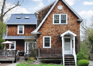 Foreclosed Home in MYRTLE ST, White Plains, NY - 10606