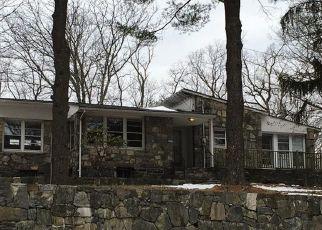 Foreclosed Home en LEXINGTON AVE, Mohegan Lake, NY - 10547