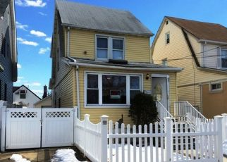 Foreclosed Home in 204TH ST, Saint Albans, NY - 11412