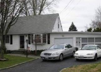 Casa en ejecución hipotecaria in West Babylon, NY, 11704,  VAN BUREN ST ID: P878691