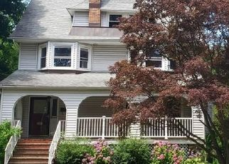 Foreclosed Home en LIBERTY AVE, New Rochelle, NY - 10805