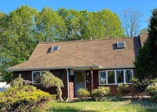 Casa en ejecución hipotecaria in West Islip, NY, 11795,  KIME AVE ID: P895323