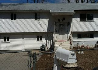 Foreclosed Home en LOEFFLER ST, Brentwood, NY - 11717