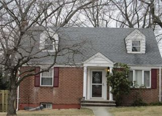 Foreclosed Home in GRAPHIC BLVD, New Milford, NJ - 07646