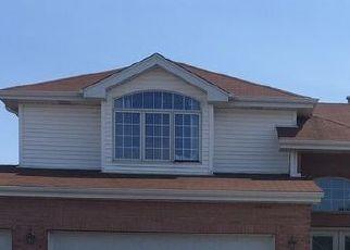 Foreclosed Home in PATRICIA DR, Matteson, IL - 60443