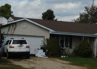 Foreclosed Home en STATE LINE RD, Lake Geneva, WI - 53147