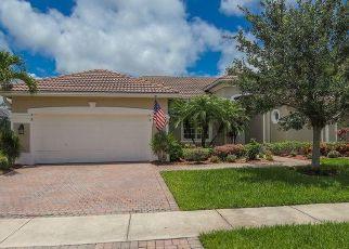 Foreclosed Home en SE SLEEPY HOLLOW LN, Stuart, FL - 34997