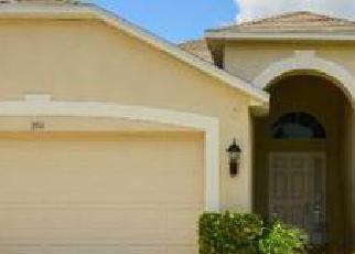 Foreclosed Home en CLOVER BLOSSOM CIR, Land O Lakes, FL - 34638
