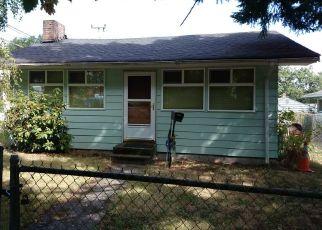 Casa en ejecución hipotecaria in Seattle, WA, 98144,  25TH AVE S ID: P938945
