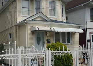 Foreclosed Home en 124TH ST, South Richmond Hill, NY - 11419