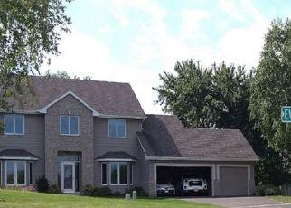 Foreclosed Home en EVERGREEN LN N, Minneapolis, MN - 55441