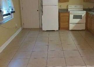 Foreclosed Home en EL DORADO ST, Lakeland, FL - 33809