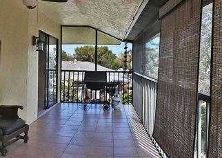Foreclosed Home en CALOOSA ST, Naples, FL - 34112