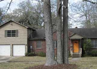 Foreclosed Home en VICTORIA AVE, North Charleston, SC - 29405