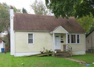 Casa en ejecución hipotecaria in Bensalem, PA, 19020,  CLINTON AVE ID: P948122