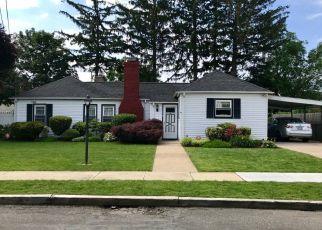 Casa en ejecución hipotecaria in Amityville, NY, 11701,  MARILYN AVE ID: P949353