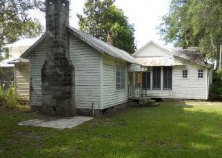 Foreclosed Home en NE 150TH AVE, Waldo, FL - 32694