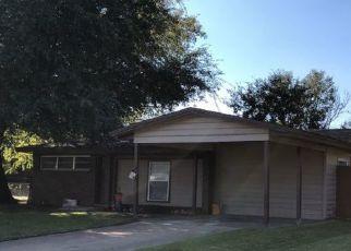 Foreclosure Home in Irving, TX, 75061,  HAMPTON CIR ID: P950778
