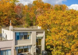 Foreclosed Home en CLIFFSIDE DR, Canandaigua, NY - 14424