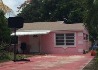Foreclosed Home en NE 177TH ST, Miami, FL - 33162