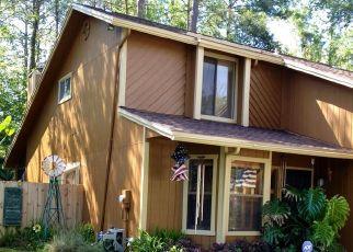 Foreclosed Home en HONEYSUCKLE LN, Jacksonville, FL - 32244