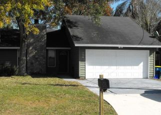 Foreclosed Home en DERRINGER RD, Jacksonville, FL - 32225