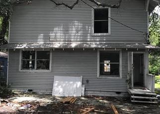 Foreclosed Home en 8TH AVE S, Saint Petersburg, FL - 33705