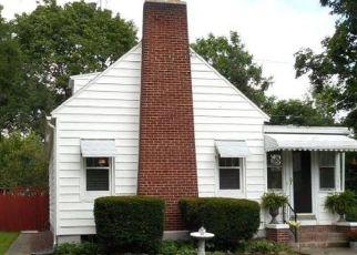 Foreclosed Home en FERNDALE DR, Binghamton, NY - 13905