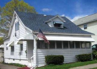 Foreclosed Home en PEARL AVE, Johnson City, NY - 13790
