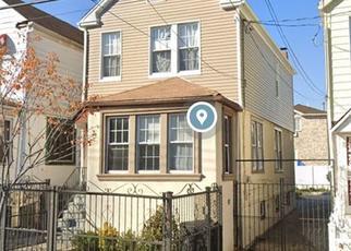 Foreclosed Home en HOMER AVE, Bronx, NY - 10473