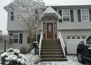 Foreclosed Home en BELLMORE AVE, Bellmore, NY - 11710