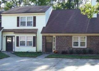 Foreclosed Home en KINSMEN WAY, Hampton, VA - 23666