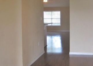 Foreclosed Home in NAPLES LN, Navarre, FL - 32566