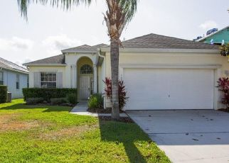 Foreclosed Home en MINNIEHAHA CIR, Haines City, FL - 33844
