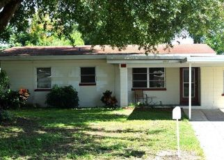Foreclosed Home en HICKORY ST NW, Winter Haven, FL - 33881