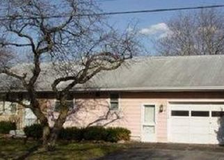 Foreclosed Home en MONICA PL, Baldwinsville, NY - 13027
