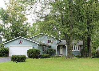 Foreclosed Home en RANCHO PARK DR, Liverpool, NY - 13090