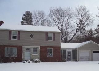 Foreclosed Home en WOODSIDE RD, Fayetteville, NY - 13066