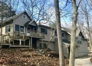 Foreclosed Home in BARTLETT PL, Huntington, NY - 11743