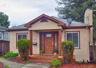 Foreclosed Home en KINGSLAND AVE, Oakland, CA - 94619