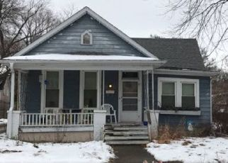 Foreclosed Home en S WALNUT ST, Springfield, IL - 62704