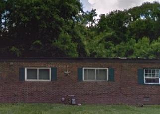 Foreclosed Home en N 75TH ST, East Saint Louis, IL - 62203