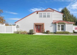 Casa en ejecución hipotecaria in Coram, NY, 11727,  STRATHMORE COURT DR ID: P971622